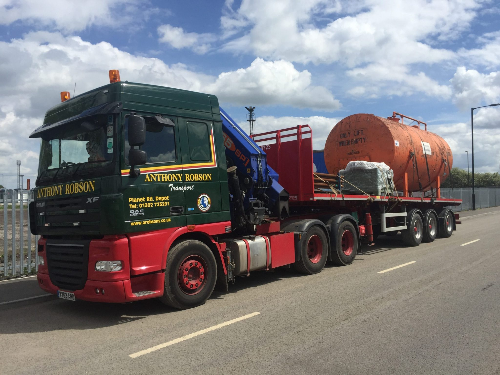 Artic Hiab Fors Gold haulier
