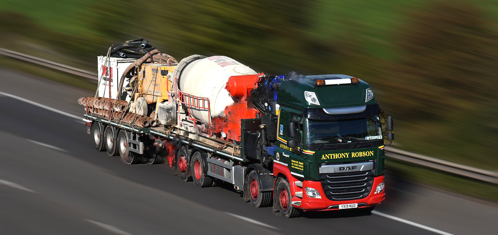 Rigid Hiab & drawbar trailer in motion